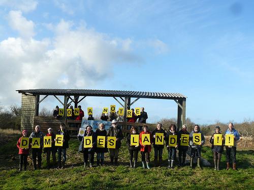 2 février 2014 à Lanveur (Finistère), zone humide : Non à l'aéroport à NDDL !!